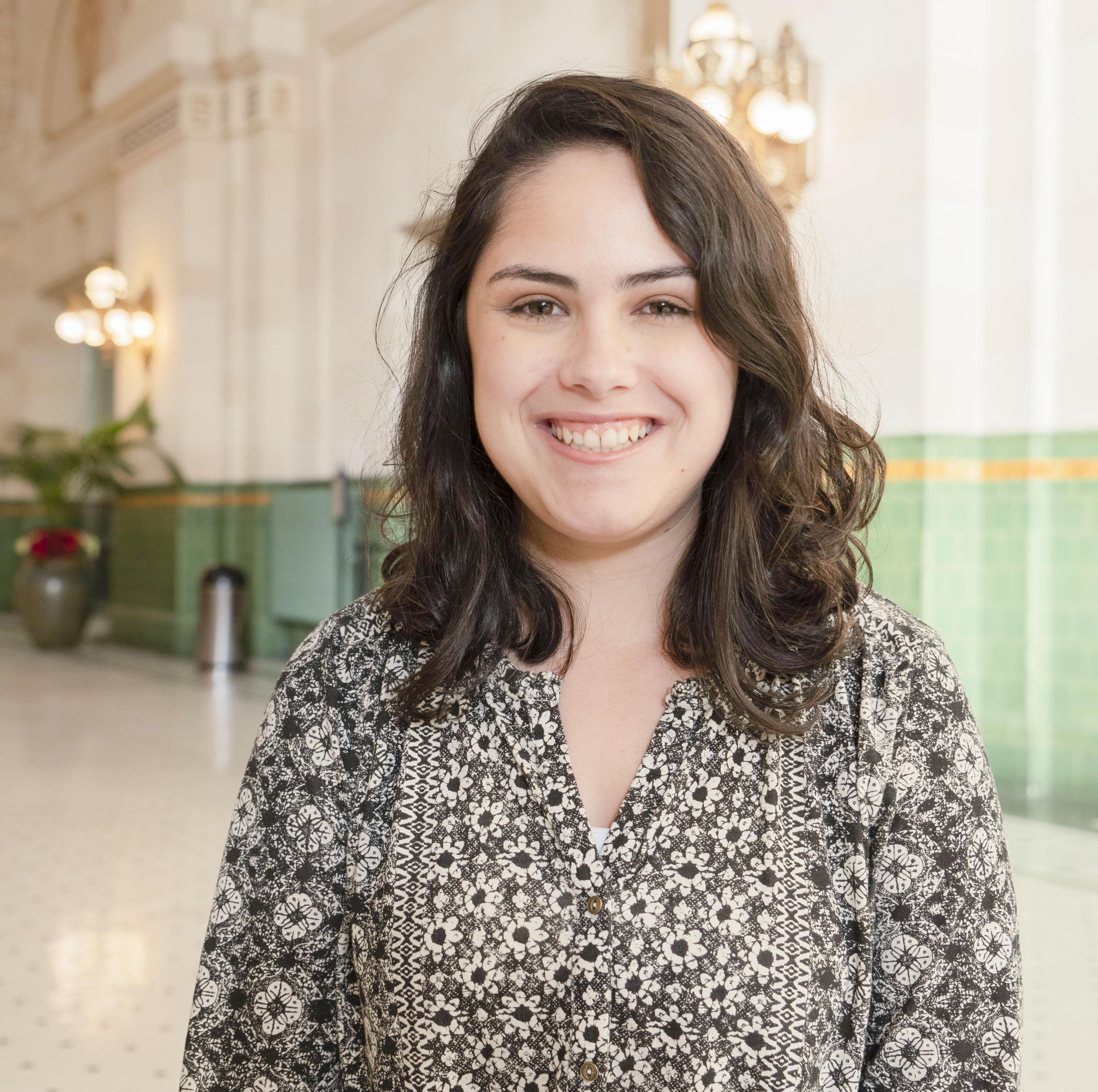 Headshot of Alexandra Deas